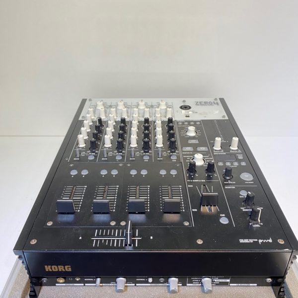 Mixer Korg Zero4